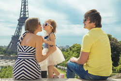 cute family photoshoot in Paris