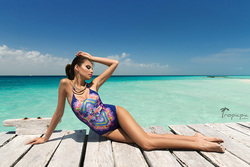 Swimwear photographer in Cancun, TropicPic