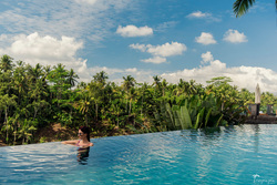 amazing Ubud photoshoot, pool in Bali