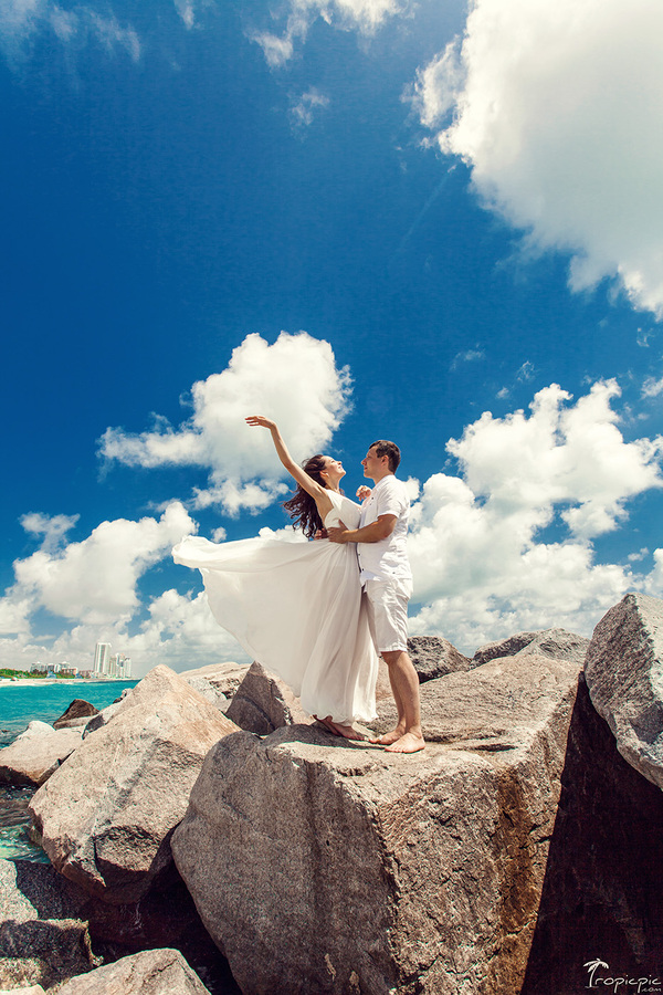 Amazing wedding photographer in Miami