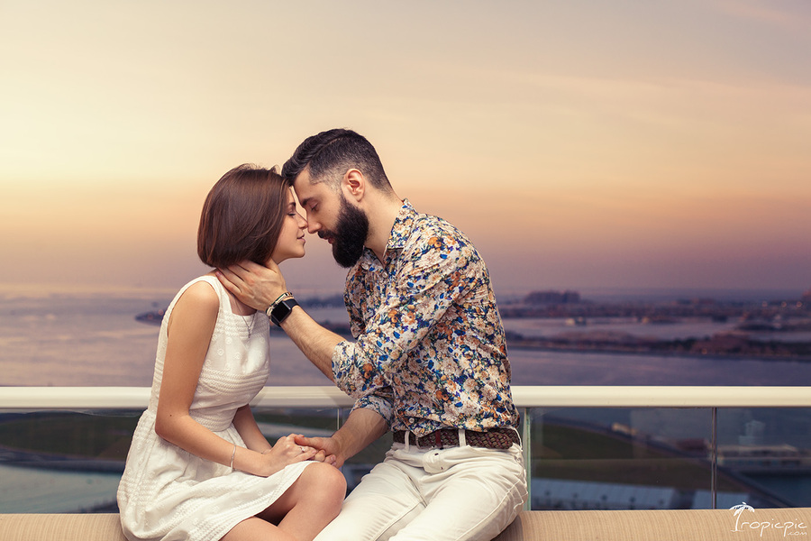 engagement ideas in Dubai - photographer TropicPic.com