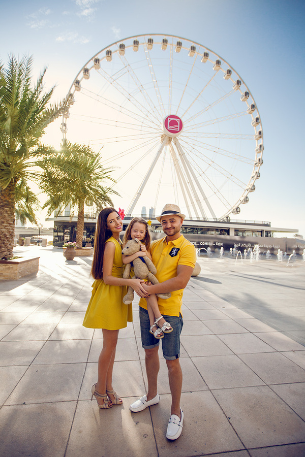 things to do in Dubai for family - photoshoot at TropicPic.com
