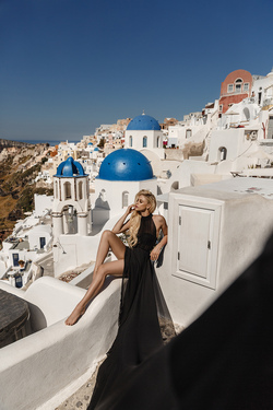 Destination photography in Santorini by TropicPic