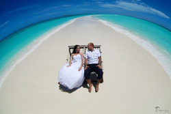 Beautiful engagement and wedding photo ideas , Maldives